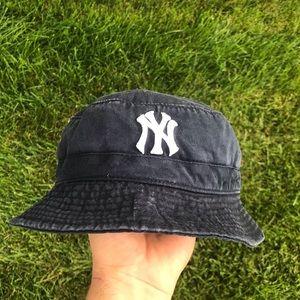 Vintage Yankees Bucket hat